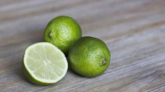 Suco detox com limão; veja como fazer!