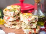 Omelete de forno com queijo e tomate; confira!