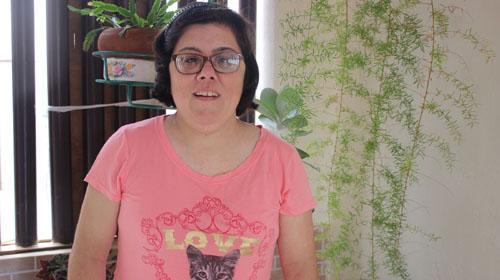 Gabriela Campos/Redação Bonde - A caçula da família e fã de gatos, Sandra Do Carmo