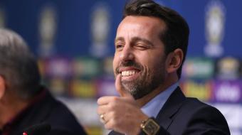 Com vaga na Copa, seleção envia estafe à Rússia para escolher CT em 2018