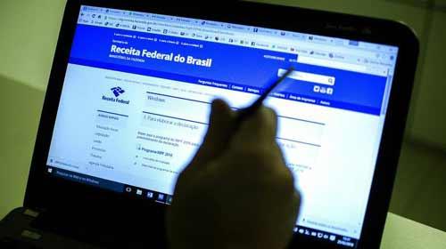 A poucas horas do fim do prazo, mais de 1 milhão não entregaram declaração do IR