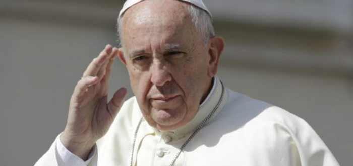 """Papa Francisco rejeita """"extremismo"""" em missa com minoria católica egípcia"""