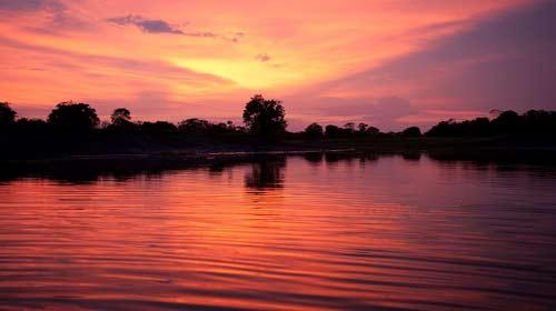 Reprodução/Embratur - Pôr do sol em Mamirauá, no estado do Amazonas