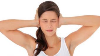 Pessoas com enxaqueca têm maior propensão a desenvolver perda de audição