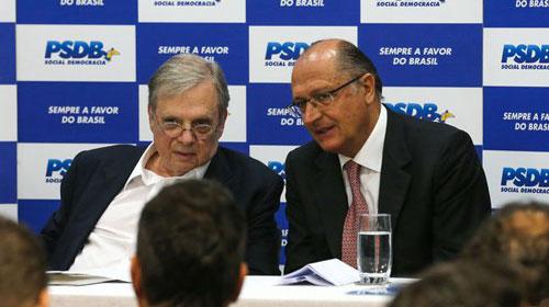 Fabio Rodrigues Pozzebom/Agência Brasil - O presidente nacional interino do PSDB, Tasso Jereissati, e o governador de São Paulo, Geraldo Alckmin