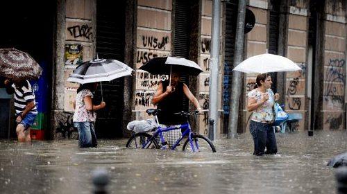 Depois da chuva, prefeitura do Rio recolhe 640 toneladas de lixo das ruas