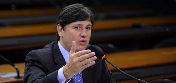 Rocha Loures perde plano de saúde e terá que devolver salários de deputado