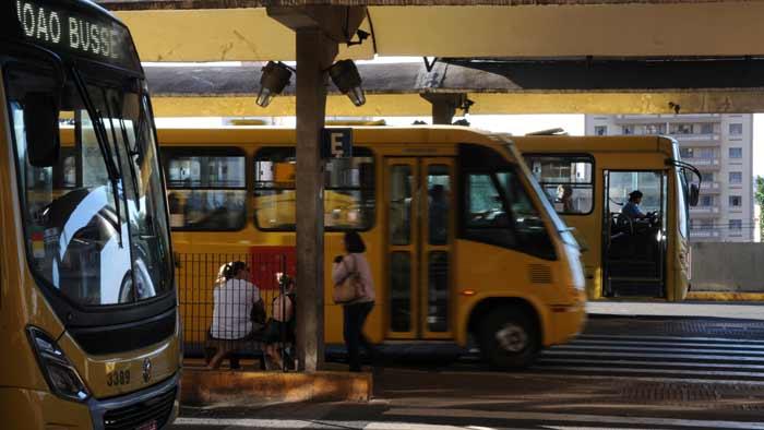 Preço da passagem do ônibus cai para R$ 3,75 em Londrina