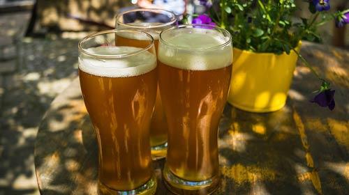 0531acfa5 Aprenda a escolher o copo certo para beber vários estilos de cerveja ...