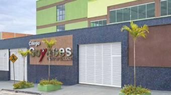 Menino vítima de ataque em escola de Goiânia recebe alta