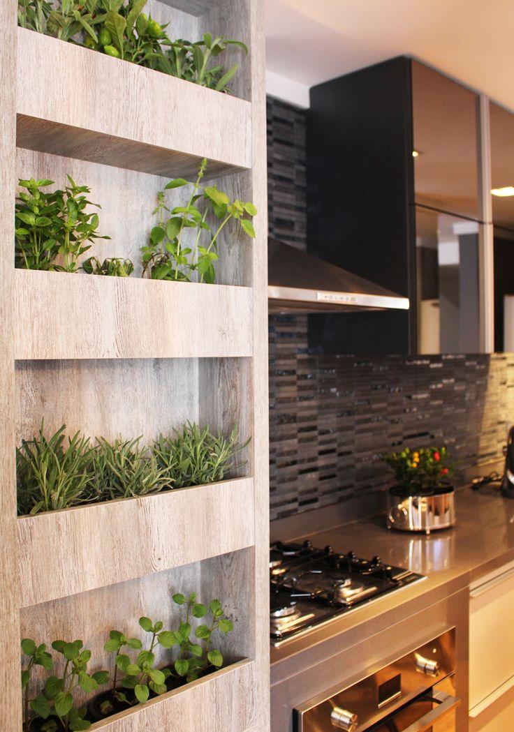 Aprenda a montar uma horta vertical horta vertical casa for Cocinas para jardin