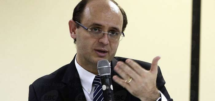 Segurança da prova do Enem é a principal preocupação do MEC, diz ministro