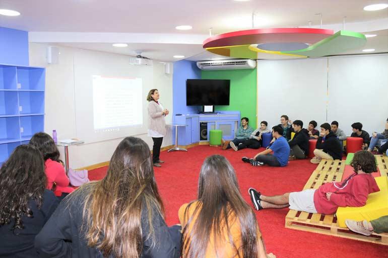 Aula de Redação do Ensino Médio - Sala Google for Education