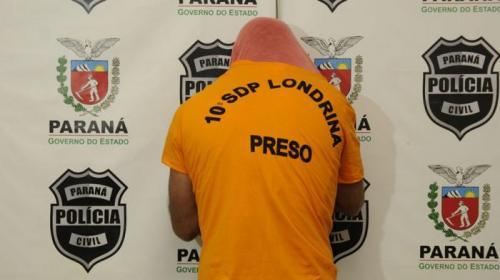 Saulo Ohara/Arquivos Folha - O traficante Mário Sérgio Arias é apresentado pela Polícia Civil de <a href='/tags/londrina/' target='_blank'>Londrina</a> após sua prisão, em 2017