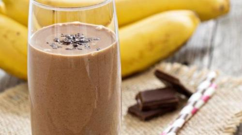 Para incluir na dieta: Smoothie de banana com pasta de amendoim!