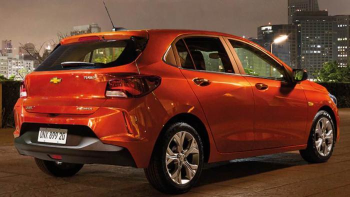 Divulgação / Chevrolet - Chevrolet Onix hatch segue liderando vendas em 2020.