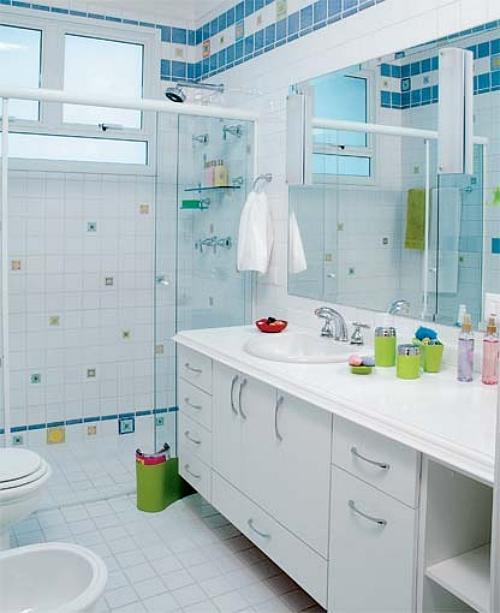 Mesmo pequeno, banheiro pode ser bonito e organizado  Casa e Decoração  Lif -> Banheiro Medio Simples