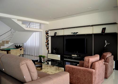 para projetar e decorar uma sala de TV perfeita  Sala de TV